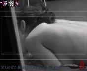 скриншот для Скачать порно бесплатно: Чтобы отучить жену от лесбийских наклонностей муж нанимает двух горячих ебарей, которые врываются к ним домой и ж�