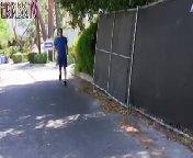 скриншот для Скачать порно бесплатно: Оливия Уайлдер сосет черный хуй и приходит ее муж