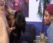скриншот для Скачать порно бесплатно: Ана Foxxx трахается с белыми парнями