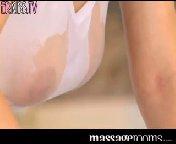 скриншот для Скачать порно бесплатно: Малышка Рита зарабатывает эротическим массажем