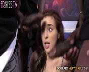 скриншот для Скачать порно бесплатно: Джесси Паркер и ее друзья, похотливые нигеры.